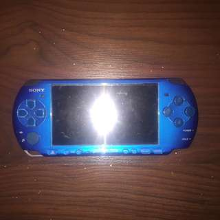 PSP 2000 With Charger