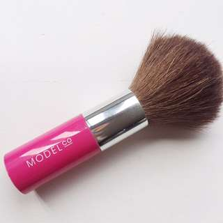 Model Co Powder/Blush Brush