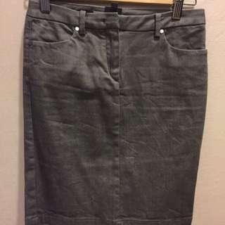 CK日本製的鐵灰色窄裙