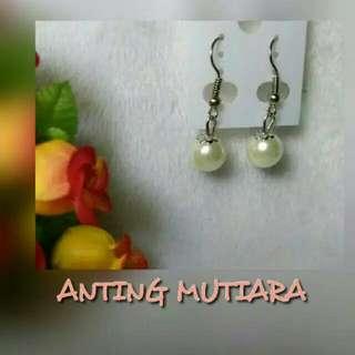 Anting Mutiara