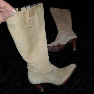 SUEDE SACHI BOOTS