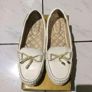 Less Femes White Shoes/sepatu Putih