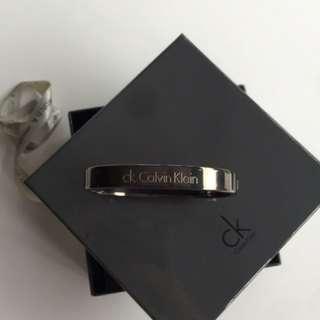 CK 全新黑色精鋼手環