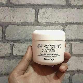 SECRET KEY SNOW WHITE