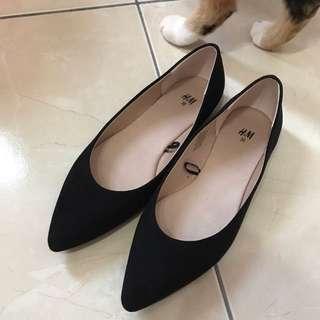 H&M全新尖頭平底鞋