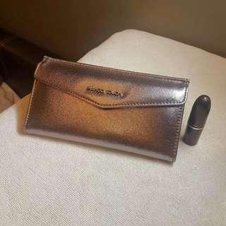 Mango Touch Tri-fold Wallet
