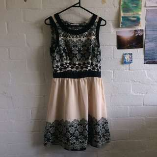 Lovely Sass Lace Floral Cream And Black Skater Dress