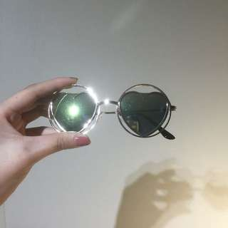 Vintage Round Love Heart Sunglasses