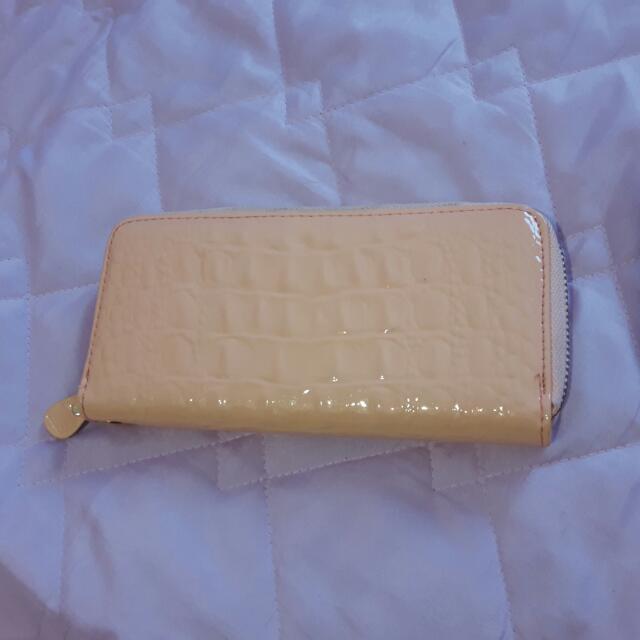 粉紅色長夾錢包