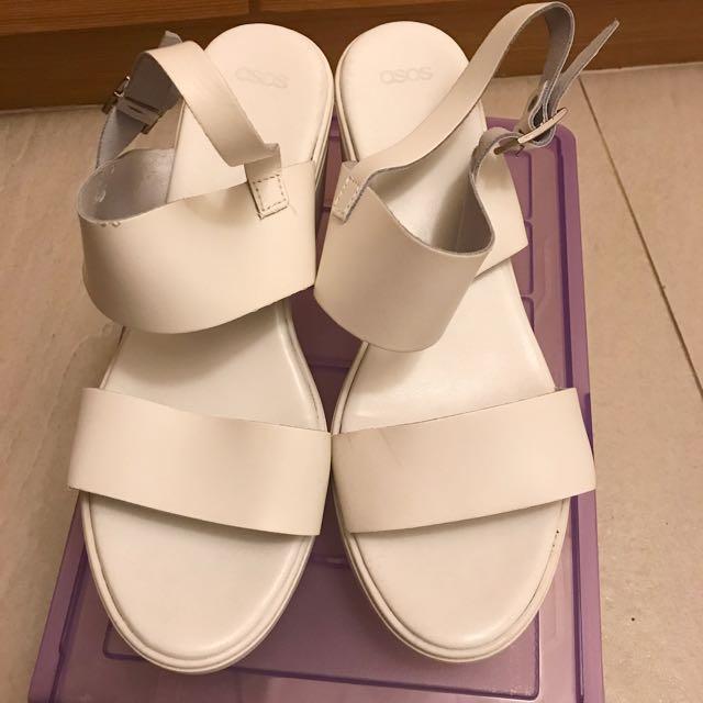 (二手)asos白色防水台涼鞋