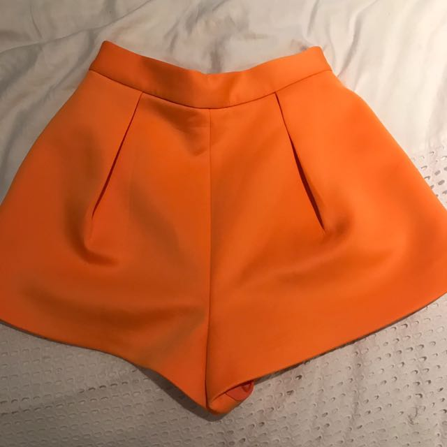 CAMEO high waisted Shorts