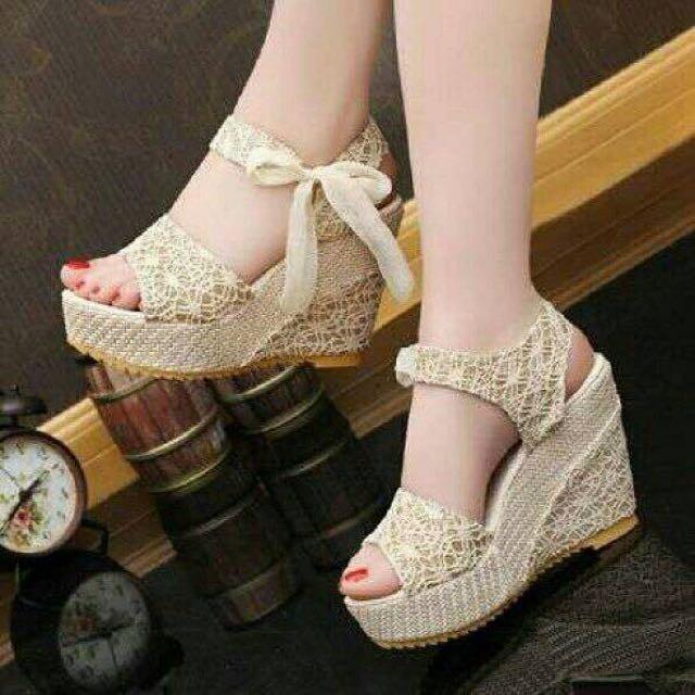Cream Lace Wedges