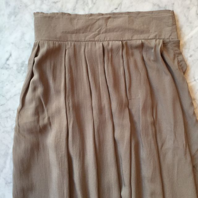 Gaudi Skirt In Cream (New With Tag)