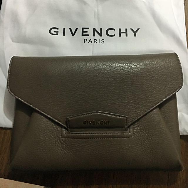 Givenchy Antigona Medium Clutch