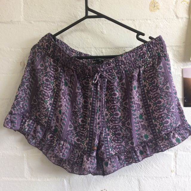 Gorgeous Lilac Teal And Purple Printed Silk Ishka Shorts