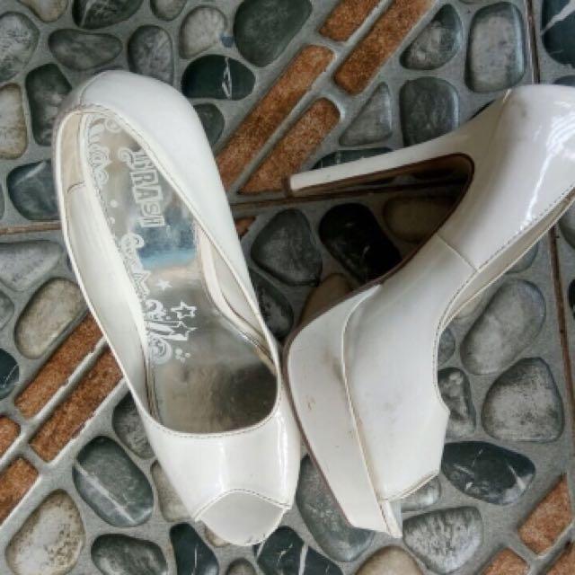 Heels Putih Brash