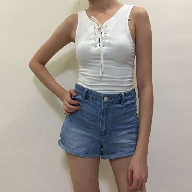 671056351 H&M High Waisted Denim Shorts, Women's Fashion, Clothes, Pants, Jeans &  Shorts on Carousell