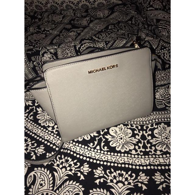 Michael Kors pearl grey mini 'Selma' crossbody bag