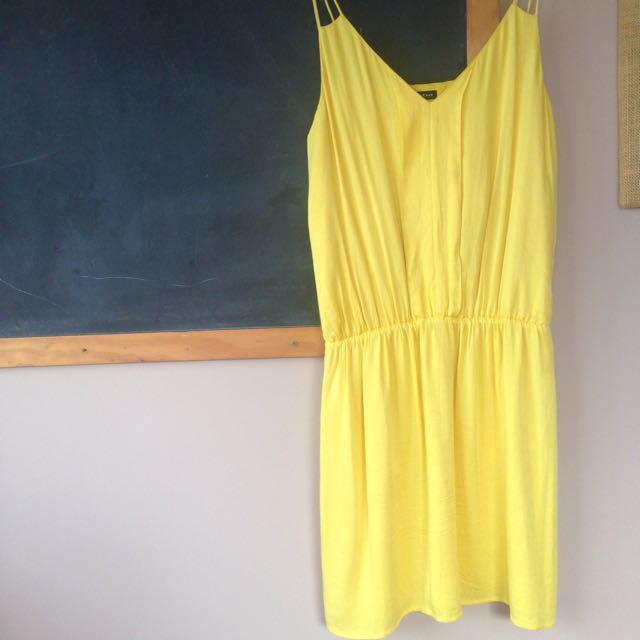 Motivi Stunning Yellow Dress