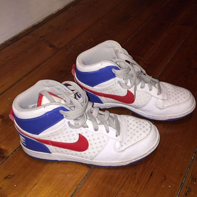 Nike High top USA Limited Edition Sz40