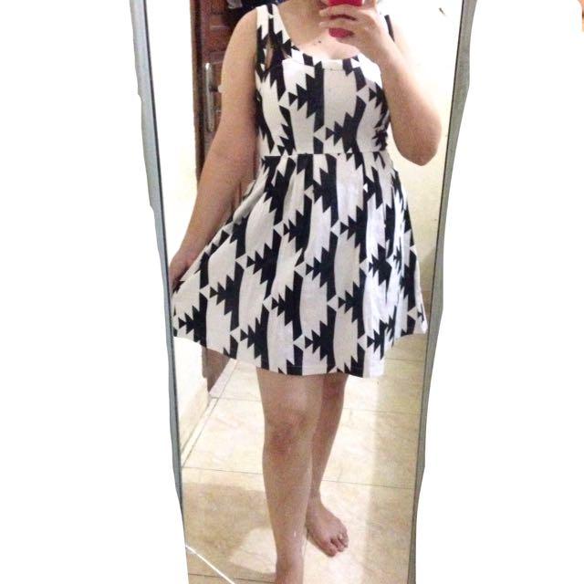 REPRICE! Dress Monochrome