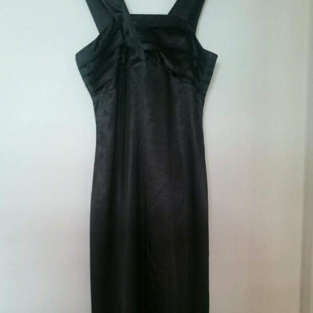 Review Black Satin Formal Dress