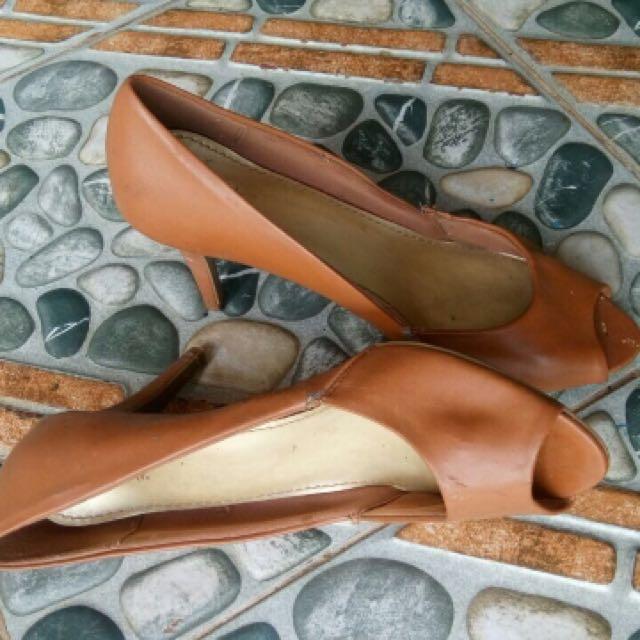 Sepatu Heels Coklat
