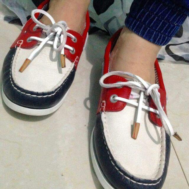 Tommy Hilfiger Driver Shoes Size 9