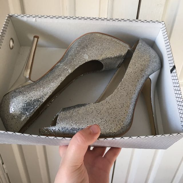 Verali Silver Glitter 'Hero' Heels