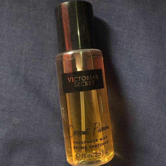 VICTORIA'S SECRET Fragrance Mist in Coconut Passion