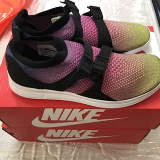 Nike Air Sockracer Flyknit PRM