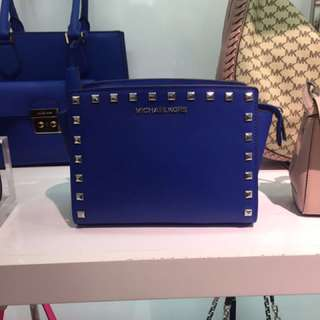 Promotion 專門店 Michael Kors Selma Stud (electric blue)