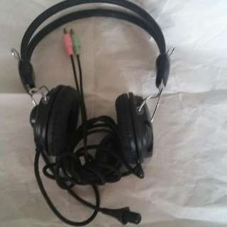 Case Logic Mic & Ear Head Phone