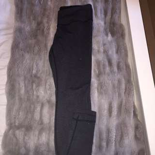 Lululemon Grey Leggings - Size 6