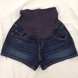 Old Navy Maternity Denim Shorts Size 2