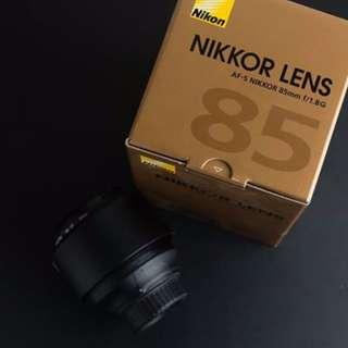 Nikon 85/1.8 G (Excellent condition)