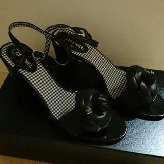 Chanel 山茶花粗跟涼鞋 38號半