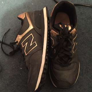 Black And Gold New Balance Size 7
