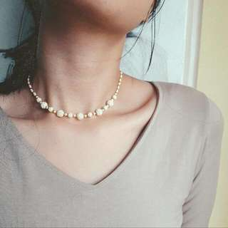 Ivories Of Roses Necklace