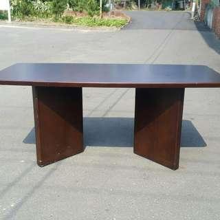 高級時尚會議桌