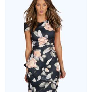 Boohoo dress - Size 18
