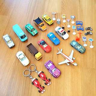 KIDS CAR TOYS, AEROPLANES AND ROAD SIGNS