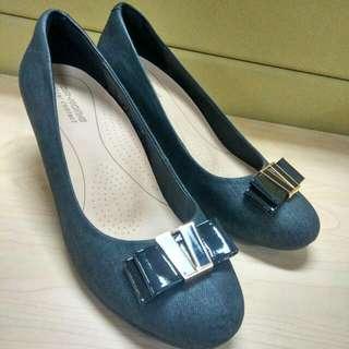 Sepatu Wedges Merk DR.KONG
