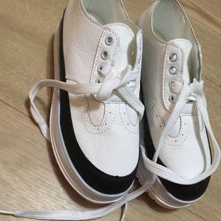 White and Black Platform Fashion Sneakers
