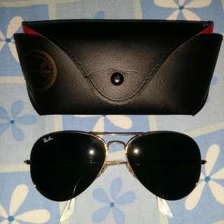 RayBans Pilot Gold Black Sunglasses