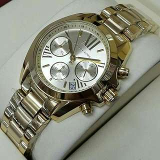 authentic Michael Kors 100% pawnable
