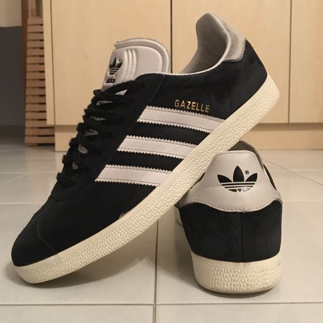 check out a6300 98cd0 Adidas Gazelle 8.5 US, Navy Suede, Men s Fashion, Footwear on Carousell