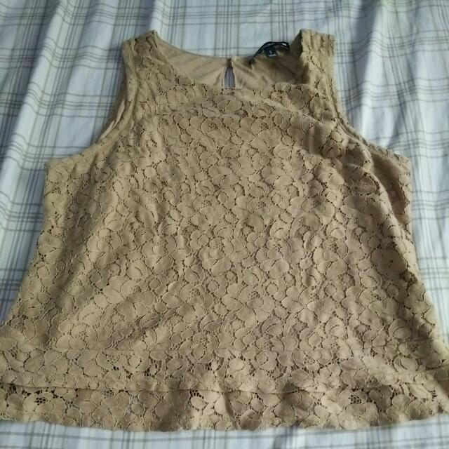Banana Republic sleeveless laced top