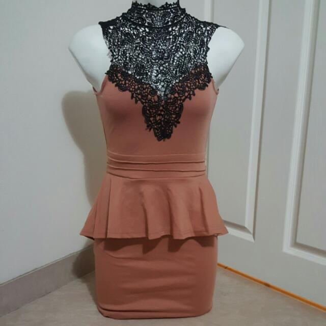 BNWT womens lace peplum bodycon dress