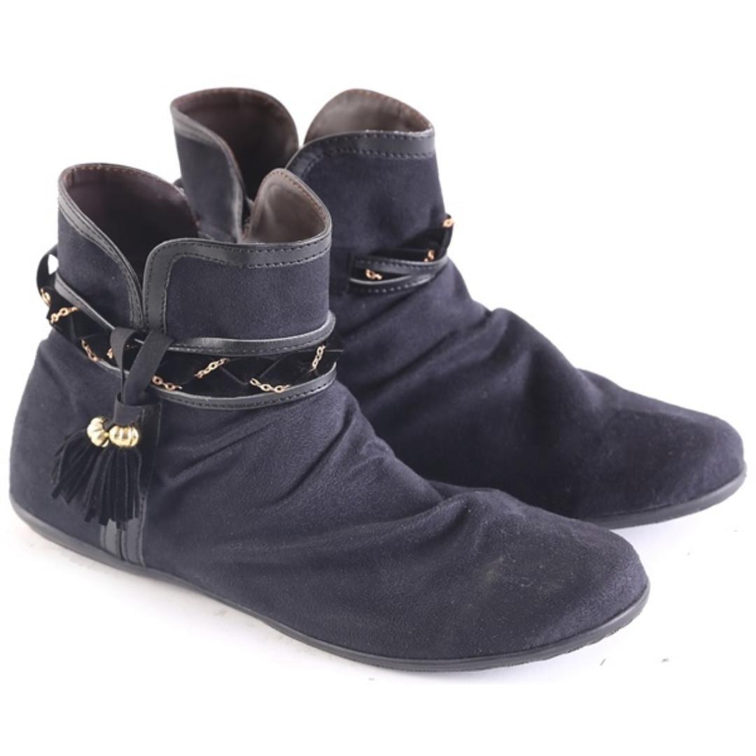 Boots Pendek  Shoes L 588